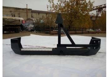 Задний усиленный бампер на УАЗ Патриот Партизан со съемным креплением запаски