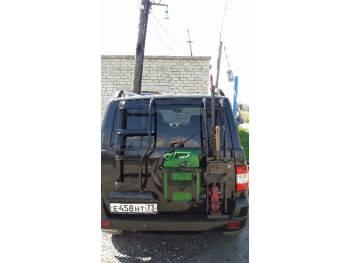Кронштейн-держатель канистры с логотипом на УАЗ Патриот