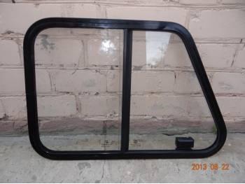 Окно раздвижное задней левой двери 469, 3151