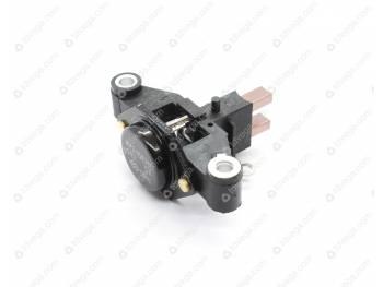 Регулятор напряжения генератора в сборе со ЩУ (80А) (щетка генератора под винт) (881.3702)