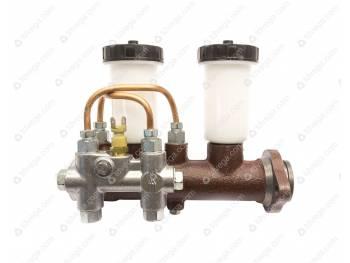 Цилиндр главный гидравлических тормозов 469 с/о  с сигнал. устройством 2-мя бачками (АДС) (42000.3151-00-3505009-00)
